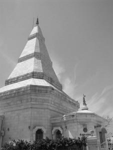 800px-Ma_Anandamayi_Samadhi_Mandir,_Kankhal,_Haridwar
